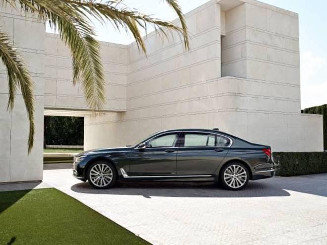 BMW7.