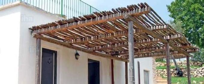 Tettoia e permesso di costruire ecco quando c 39 abuso - Autorizzazione condominio per ampliamento piano casa ...