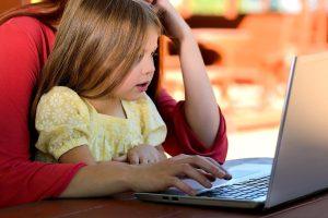 assunzione-baby-sitter-2021-guida-nuovo-ccnl